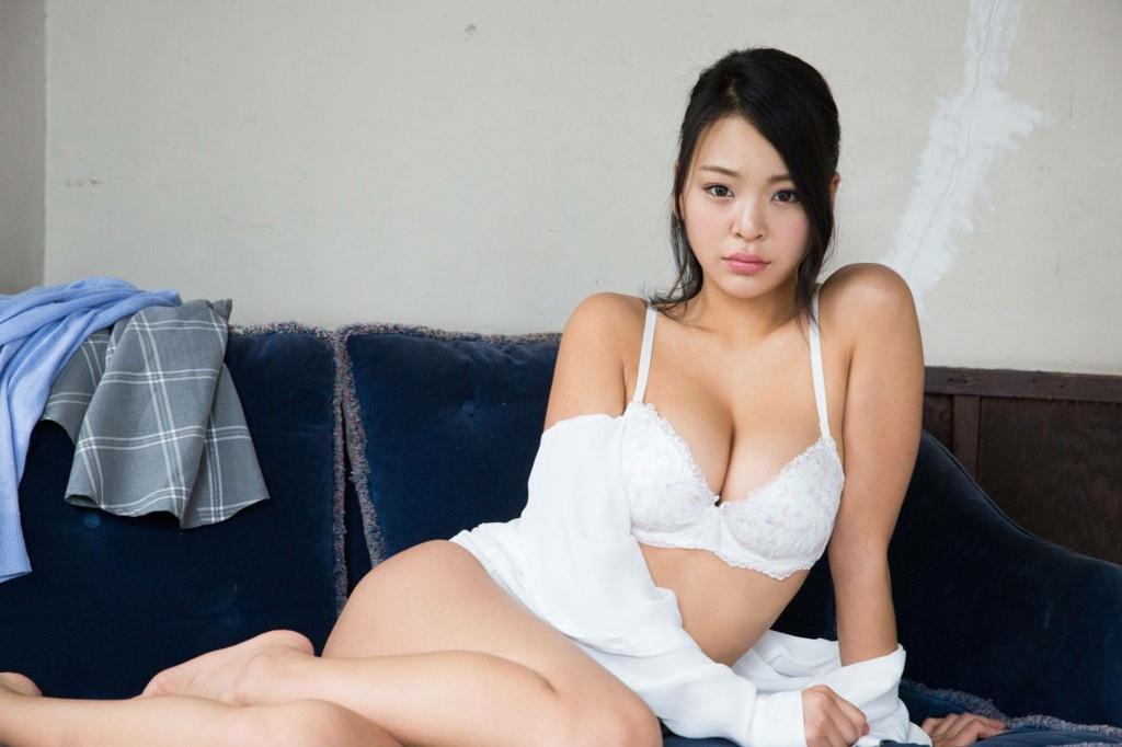 Minami Manaka 02